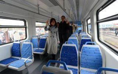 Cristina y Randazzo reciben los últimos trenes del Sarmiento