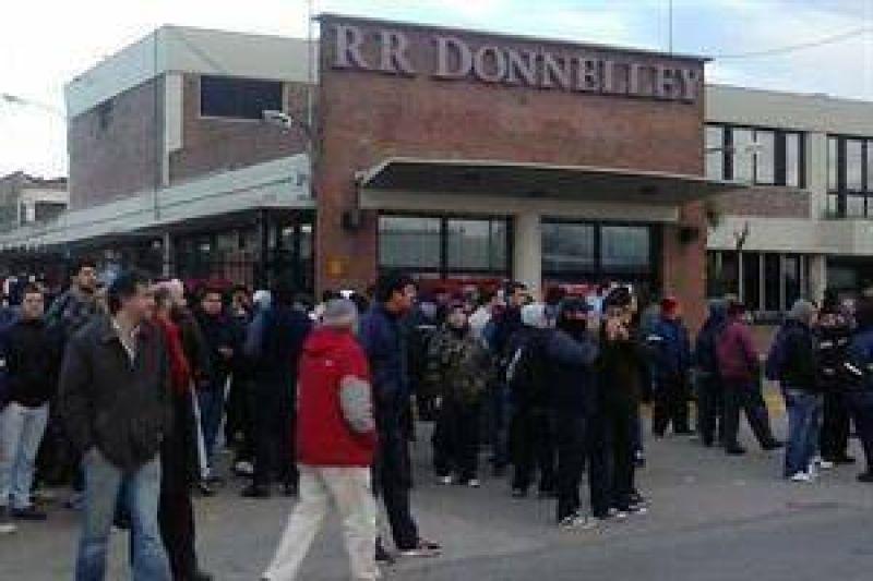 El Ministerio de Trabajo bonaerense convoc� a una audiencia por el conflicto en la multinacional Donnelley
