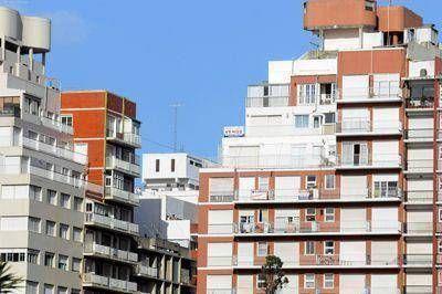 La compra y venta de inmuebles recupera terreno en Mar del Plata pero el balance aún es negativo