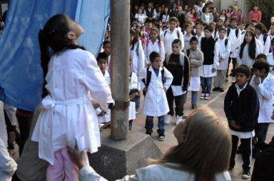 Chicos de 111 escuelas bonaerenses suman cuatro horas de clase diarias