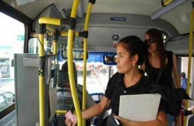 Impulsan descuento en transporte interurbano para estudiantes