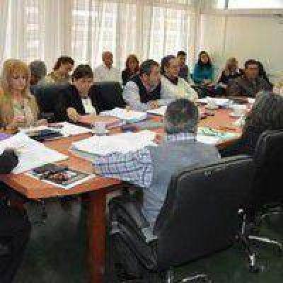 La Comisión de Educación continuará trabajando sobre la Ley de Educación Indígena previo a la sesión