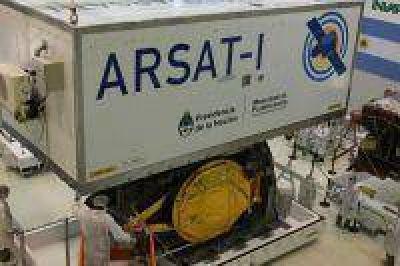 El ARSAT-1 ingresó al contenedor que lo transportará para su lanzamiento