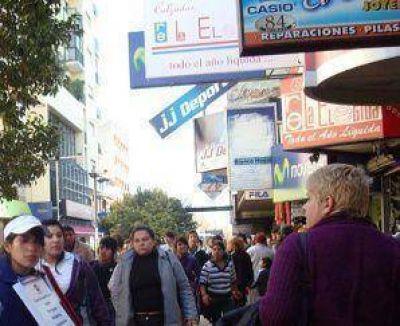 Comenzarán a analizar cambios en el tamaño de las marquesinas de Rivadavia