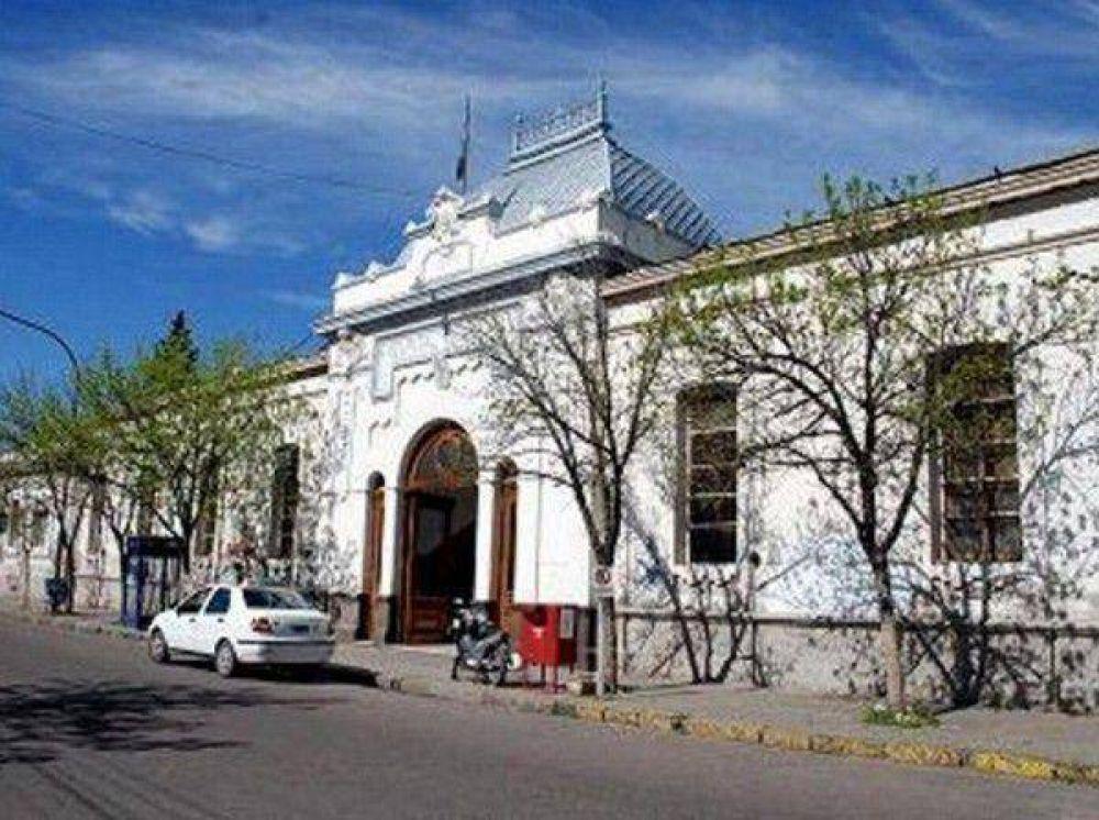 Por el paro de Municipales, hoy sólo se atenderá la Guardia en el Hospital Leónidas Lucero