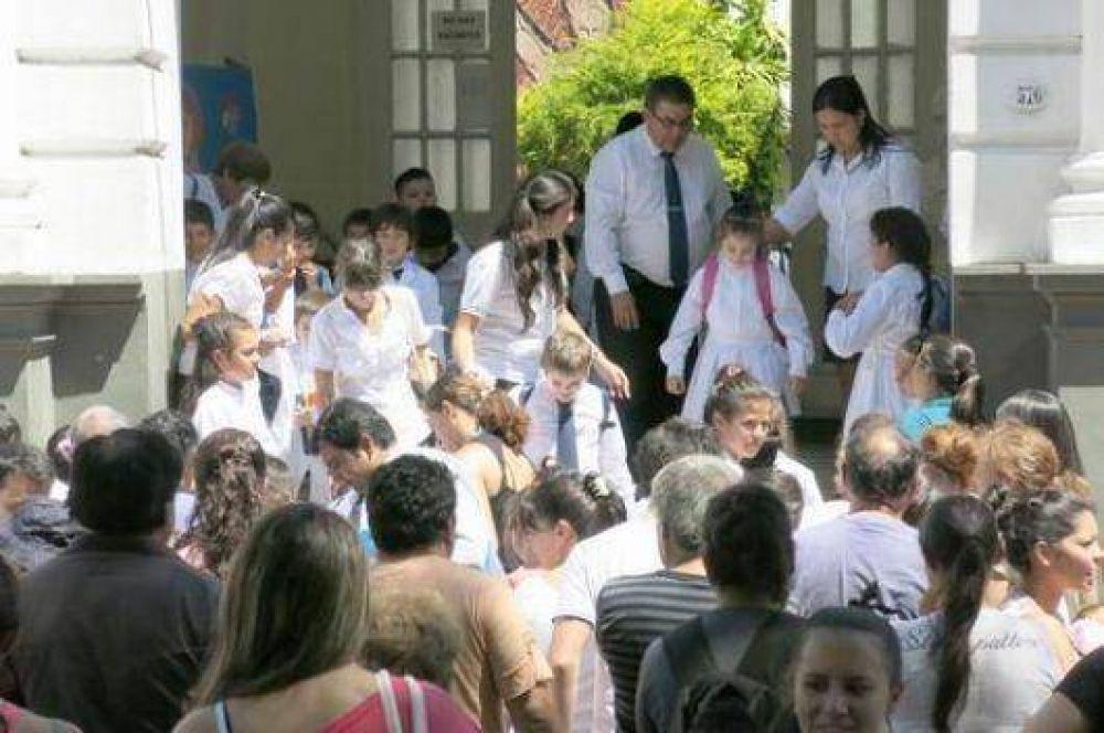 Malestar docente por actos en los colegios para este domingo