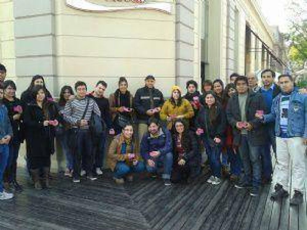 Visita a estudiantes catamarqueños en La Rioja