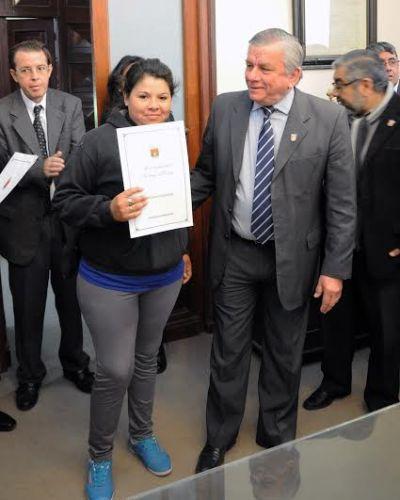El Intendente Infante hizo entrega de Decretos de Adjudicación de lotes de terrenos fiscales municipales