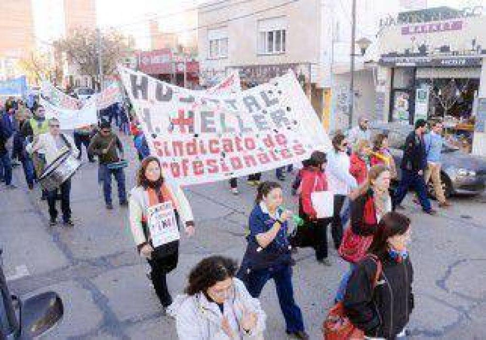 Salud: UPCN y los médicos marcharon por el aumento