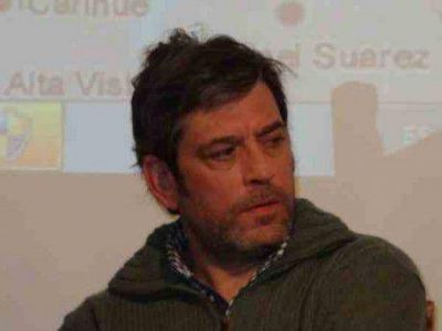 Pacheco pidió se refaccionen las estaciones de trenes en Bocayuva y De Bary