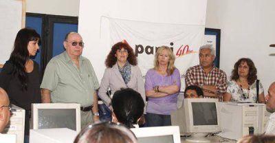 Cristina Aboitiz presentó cursos de computación para afiliados de PAMI