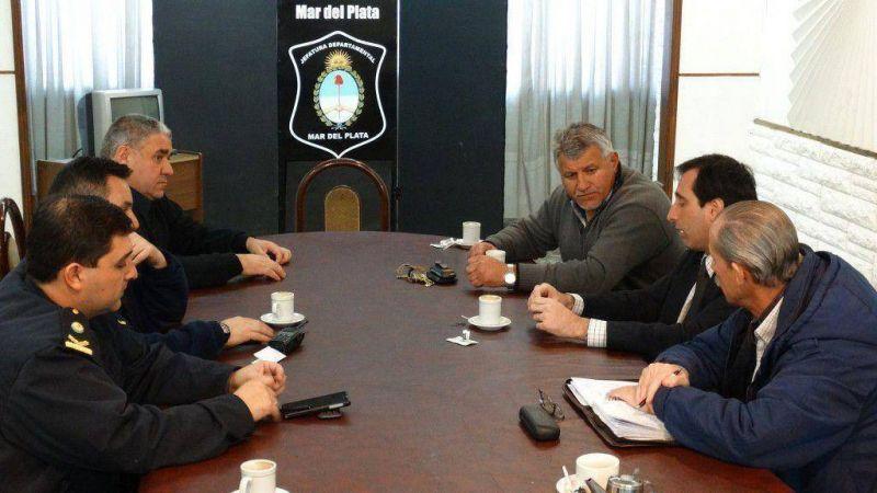 Cirone se reuni� con la c�pula policial local