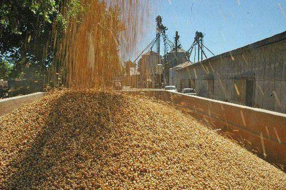 Alperovich gestiona la emergencia económica para el sector de granos