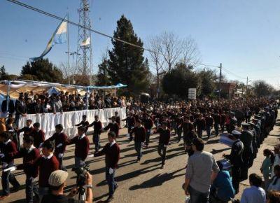 Con el desfile en honor a San Martín, comenzó la Semana de la Puntanidad
