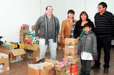 El Concejo entregó donaciones a niños en diferentes barrios