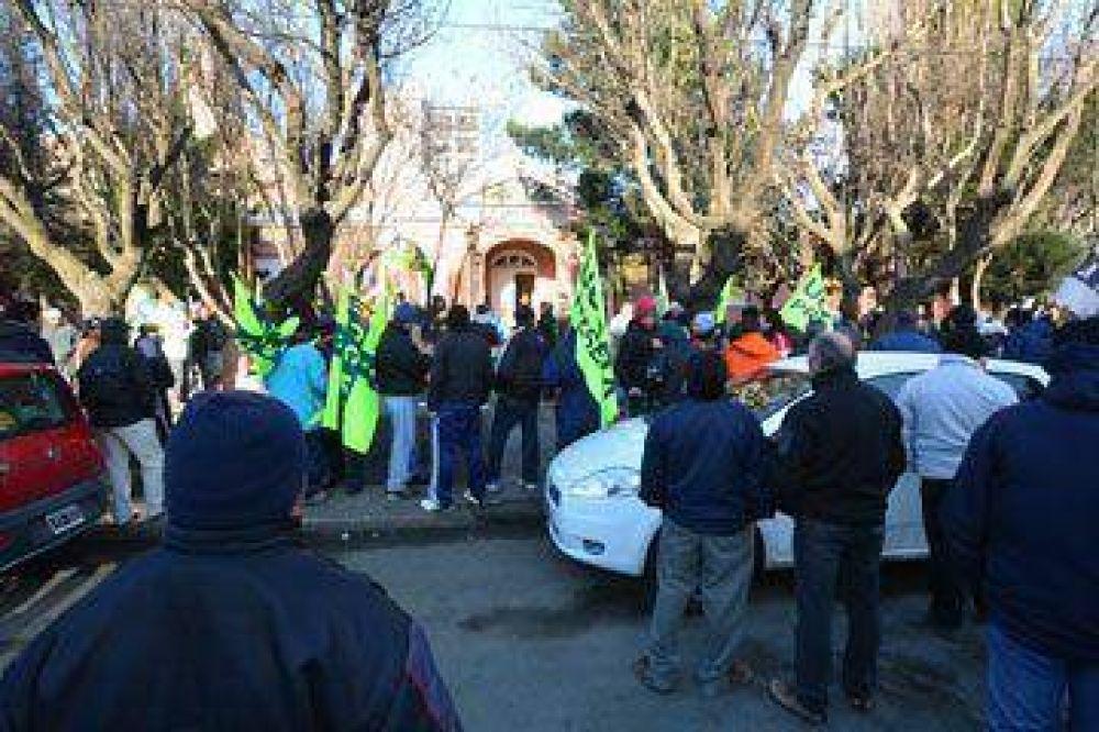 UOCRA protestó en toda la provincia en reclamo de una audiencia