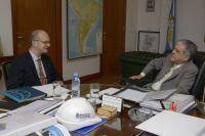 El Ministro De Vido recibió a representantes del Banco Mundial