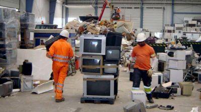 Mirá dos alternativas para tratar residuos electrónicos y lo que pasa en Córdoba