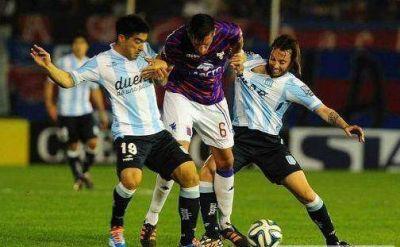 Racing fue una sombra y Tigre lo aprovech�: lo gole� 4 a 0 en Victoria