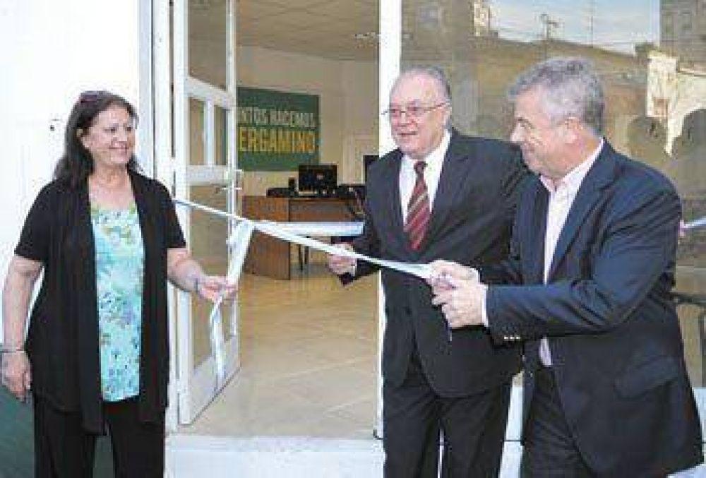 En la inauguración del vacunatorio, el intendente valoró la inversión en Salud