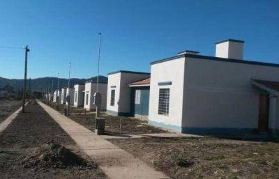 Hoy comenzará la entrega de 450 viviendas en El Huayco
