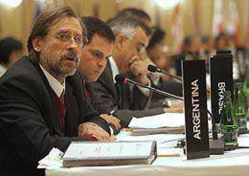 """En la Asamblea del BID, Fernández reclamó más recursos para """"combatir la pobreza"""""""