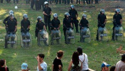 Seis detenidos durante el desalojo de la villa Papa Francisco