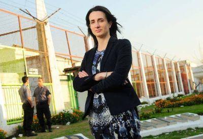 Florencia, la primera mujer en controlar a más de 30 mil presos