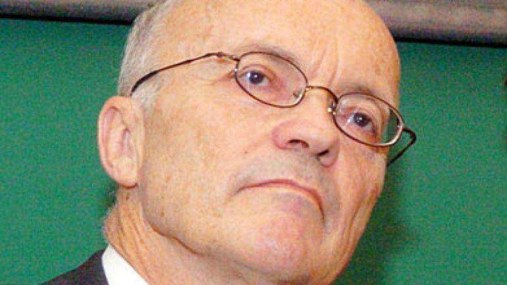Nobel de Economía advierte por las políticas de corto plazo de la Argentina y la falta de independencia Central