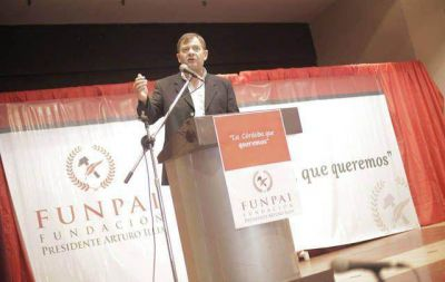 Felippa lanz� precandidatura a gobernador por UCR