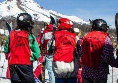 Unos 750 alumnos aprenderán a esquiar en el cerro Chapelco