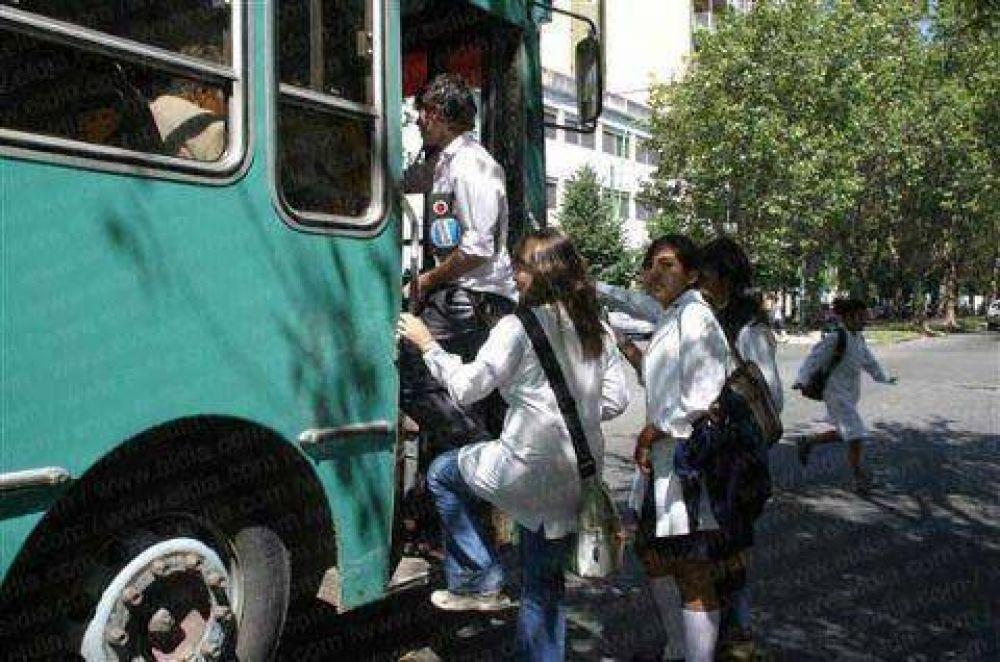 Comisiones de Transporte y Educación aprueban proyecto que crea boleto estudiantil gratuito
