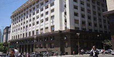 Hay datos contrapuestos por la deuda de Formosa con Nación
