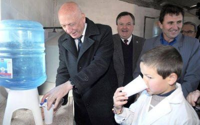 Antonio Bonfatti inaugur� la nueva planta de agua potable