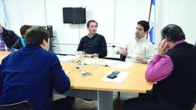 Buzzi se reúne hoy con De Vido y el viernes con la Presidente por la nueva ley petrolera