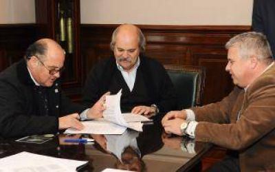 Policías comunales: Granados y Sánchez firmaron adhesión de Exaltación de la Cruz