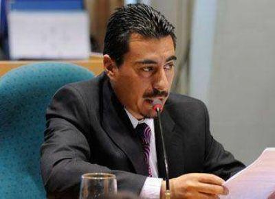 Suárez reclamó envío del Presupuesto 2014