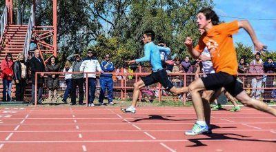 Antonio Bonfatti presenció las finales de las Olimpíadas Santafesinas en la capital provincial
