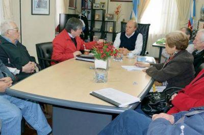 Los jubilados buscan soluciones para acceder al beneficio del boleto gratuito