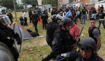 Villa Lugano: Desalojados exigen a Macri que urbanice el predio