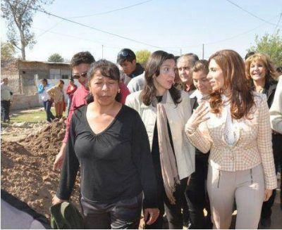 La Gobernadora visitó el Barrio Villa Nueva y supervisó obra