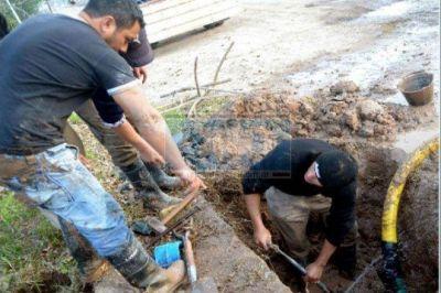 La zona Este de Paraná no tiene agua por reparación de caño maestro