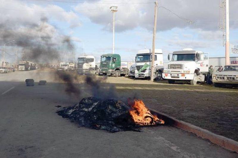 El Sindicato de Camioneros de Santa Cruz catalogó de muy exitoso el paro y pronosticó otro de 48 o 72 horas