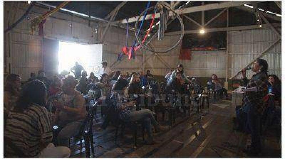 En una asamblea tensa, se quebró el grupo Docentes Unidos de Salta