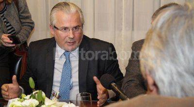 Baltasar Garzón pasó por Santa Fe con elogios al gobierno nacional
