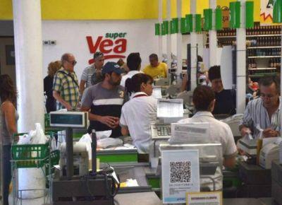 Niegan despidos en una cadena de supermercados