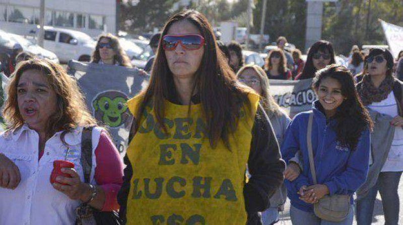 Sigue el cruce entre sindicalistas docentes