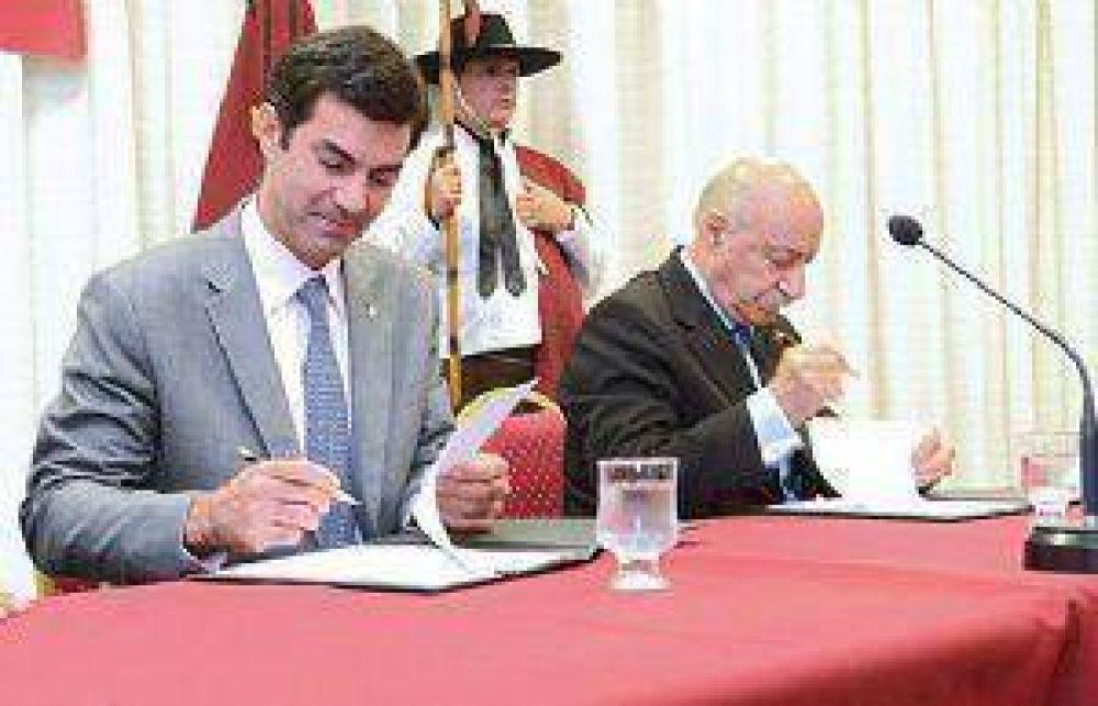 Salta firma un convenio con el CFI y la UIS para el desarrollo de la industria