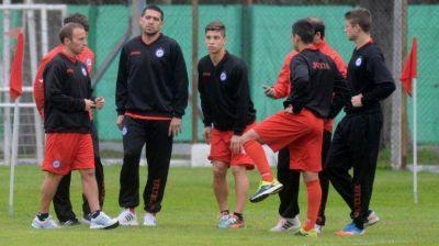 Riquelme tocó la pelota y volvería al ruedo el miércoles ante Aldosivi