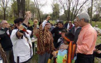 Intendente Bolinaga junto a los Pueblos Originarios